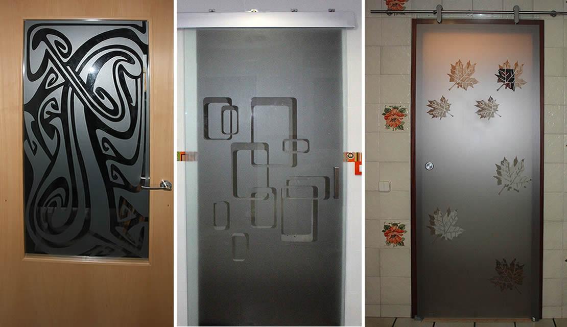 Puertas con cristal decorado con vinilo autoadhesivo for Cristales para puertas de comedor